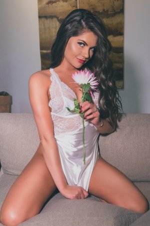 Rose-andrée live escort, erotic massage