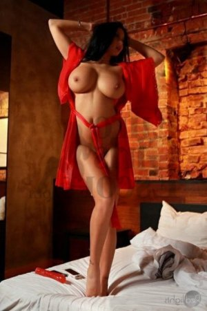 Adjoa thai massage in St. Andrews SC, live escort
