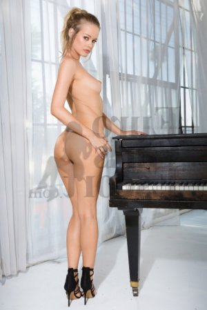 Ouacila call girl & nuru massage