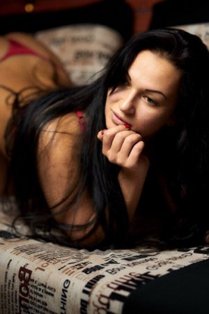Krystyna live escort in Paris Texas, erotic massage