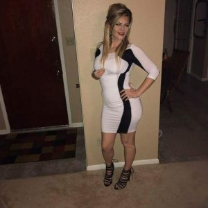 Sawsan escort girl in Carpentersville Illinois